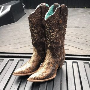 Corral snakeskin cowboy boots size 10